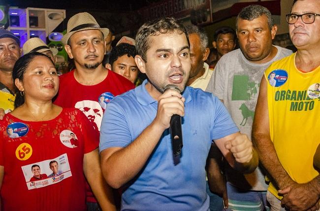 Deputado Ricardo Rios em discurso caloroso