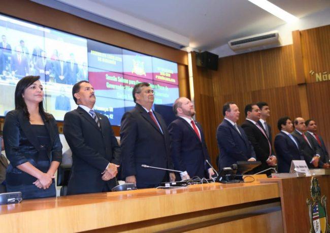 Na Assembleia Legislativa, Flávio Dino assina primeiros decretos no segundo mandato como governador do Maranhão