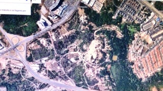 No Google Maps a área aparece muito devastada