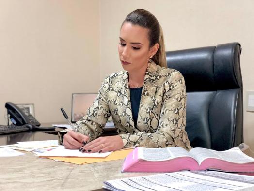 Deputada Dra. Thaiza Hortegal
