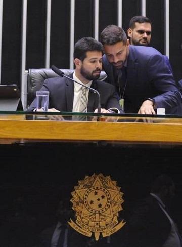 Gil Cutrim presidiu, ontem, os trabalhos da Mesa Diretora da Câmara