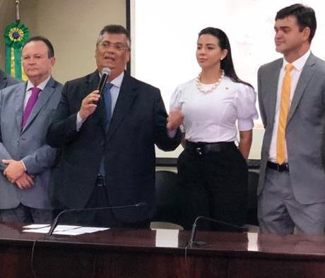 Brandão ao lado de Flávio durante evento do governo