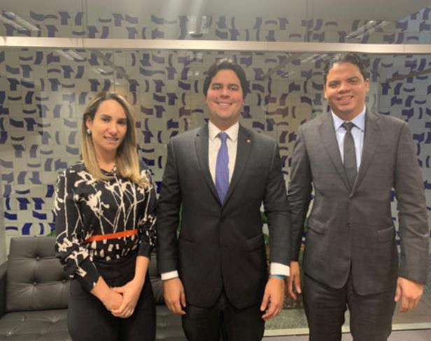 Deputada estadual Dra. Thaiza Hortegal, deputado federal André Fufuca e o prefeito Luciano Genésio