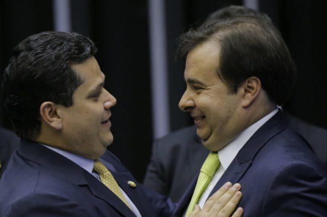 Presidentes Davi Alcolumbre (Senado) e Rodrigo Maia (Câmara)