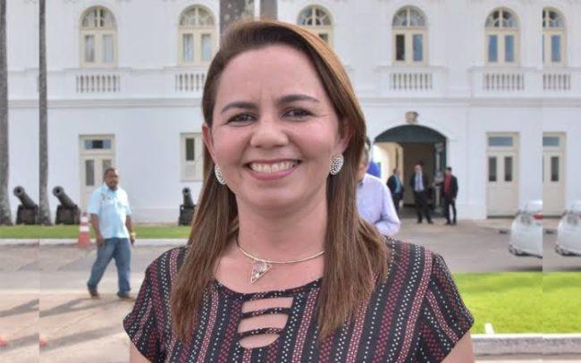 Prefeita Gilzânia Ribeiro
