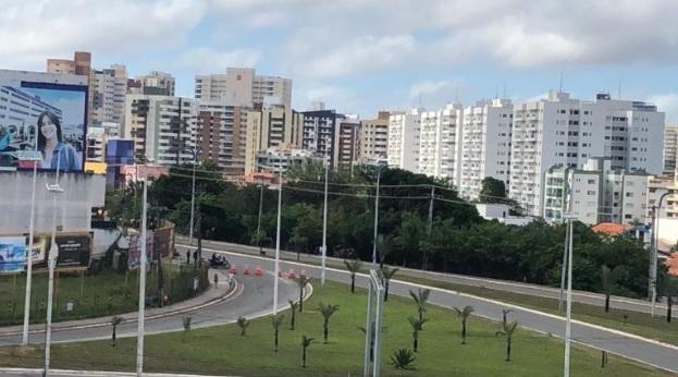 Acesso a Avenida Litorânea bloqueado