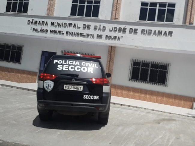 Carro da Seccor na porta da Câmara de São José de Ribamar-MA