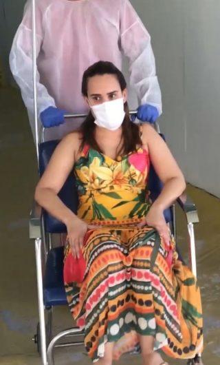 Deputada estadual e médica Thaiza Hortegal recebe alta de hospital após contrair a Covid-19