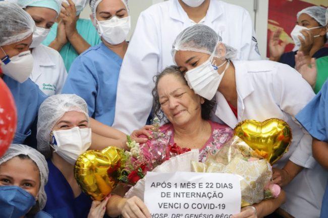 Após quase dois meses internada, paciente de 61 anos vence o coronavírus no Maranhão