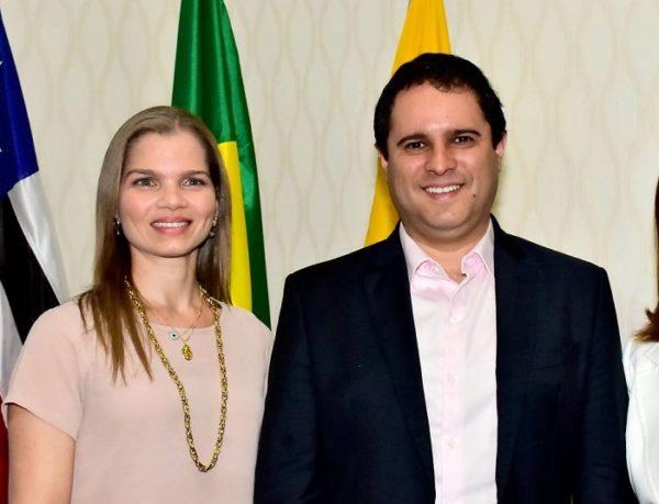 Nova secretária Natália Ribeiro e o prefeito Edivaldo Holanda