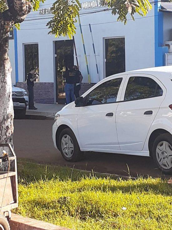 Agentes federais na Prefeitura de Miranda do Norte