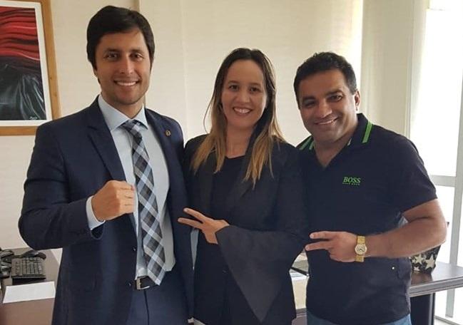 Duarte Júnior e o casal Detinha e Josimar de Maranhãozinho