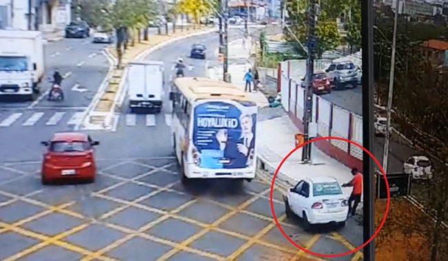 Crime foi registrado por câmeras de videomonitoramento