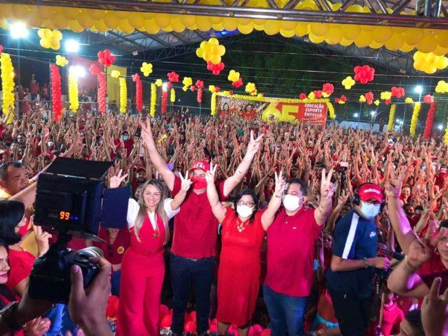 Marlene Miranda é Irmã Rosinha recebem apoio da população de Bom Lugar