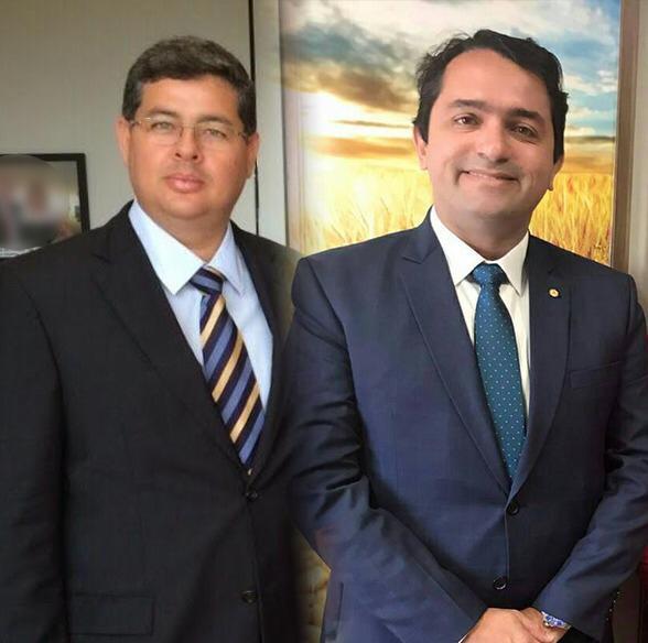 Deputado Júnior Lourenço ao lado de Antônio Dino, responsável pelo Hospital do Câncer