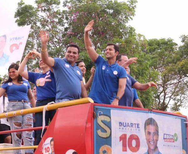 Josimar e Duarte percorrendo pelas ruas de São Luís