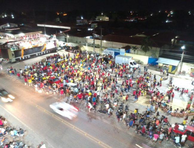 Poucas pessoas marcaram presença no comício do candidato Ivo em São Mateus