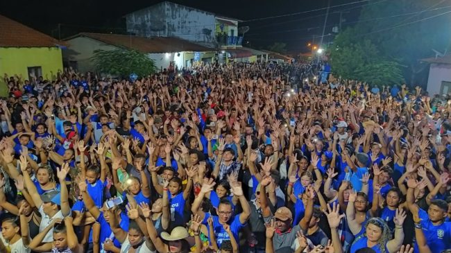 Multidão abraça reeleição de Fufuca Dantas em Alto Alegre do Pindaré