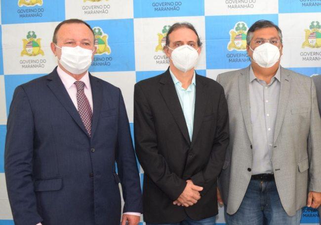 Vice-governador Carlos Brandão, prefeito Fábio Gentil e o governador Flávio Dino