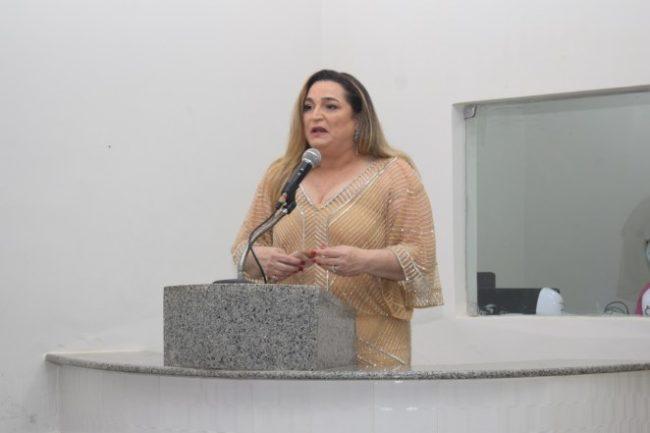 Prefeita Luciana Trinta, de Araioses-MA