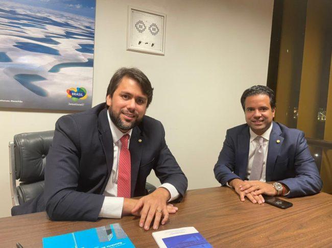 Deputados Pedro Lucas Fernandes e Edilázio Júnior em Brasília após eleição da bancada