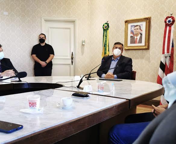 Flávio Dino em reunião no Palácio dos Leões