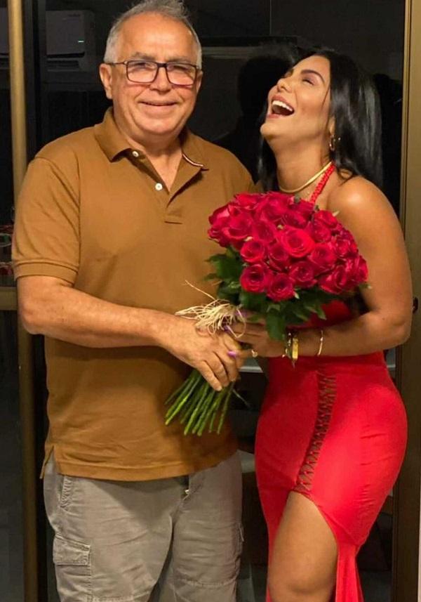 Prefeito Rui Fernandes e sua namorada Ingrid Andrade