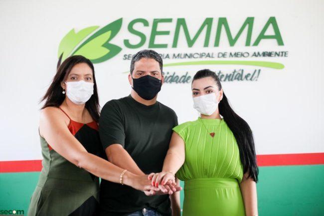 Secretária adjunta de Estado, Lucyana Genésio, ao lado do irmão prefeito Luciano e da secretária municipal, Layanna Ferreira (primeira-dama da cidade).