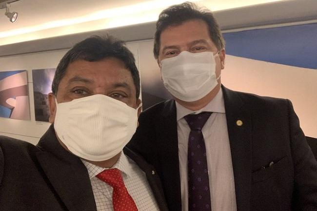 Secretários Márcio Jerry e Simplício Araújo
